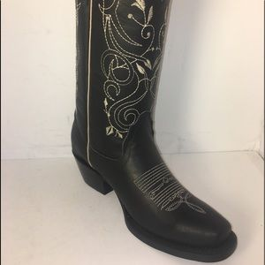 Women's Cowgirl Western black boots sizes 5 to 9